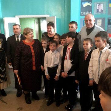 Ουκρανία: Σε ελληνικούς ρυθμούς χτύπησε η καρδιά των Ελλήνων του Σαρτανά, με την επίσκεψη του ΥΦΥΠΕΞ Τ. Κουίκ