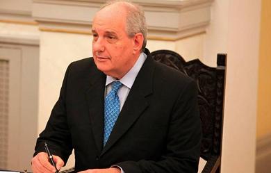 Πρωτοχρονιάτικο μήνυμα στον απόδημο Ελληνισμό του Υφυπουργού Εξωτερικών Τέρενς Κουίκ